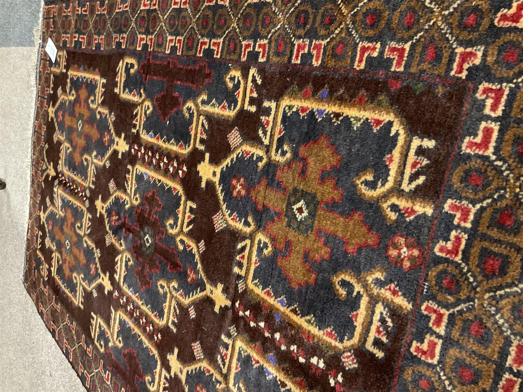 Small Persian Baluchi rug - Image 2 of 3
