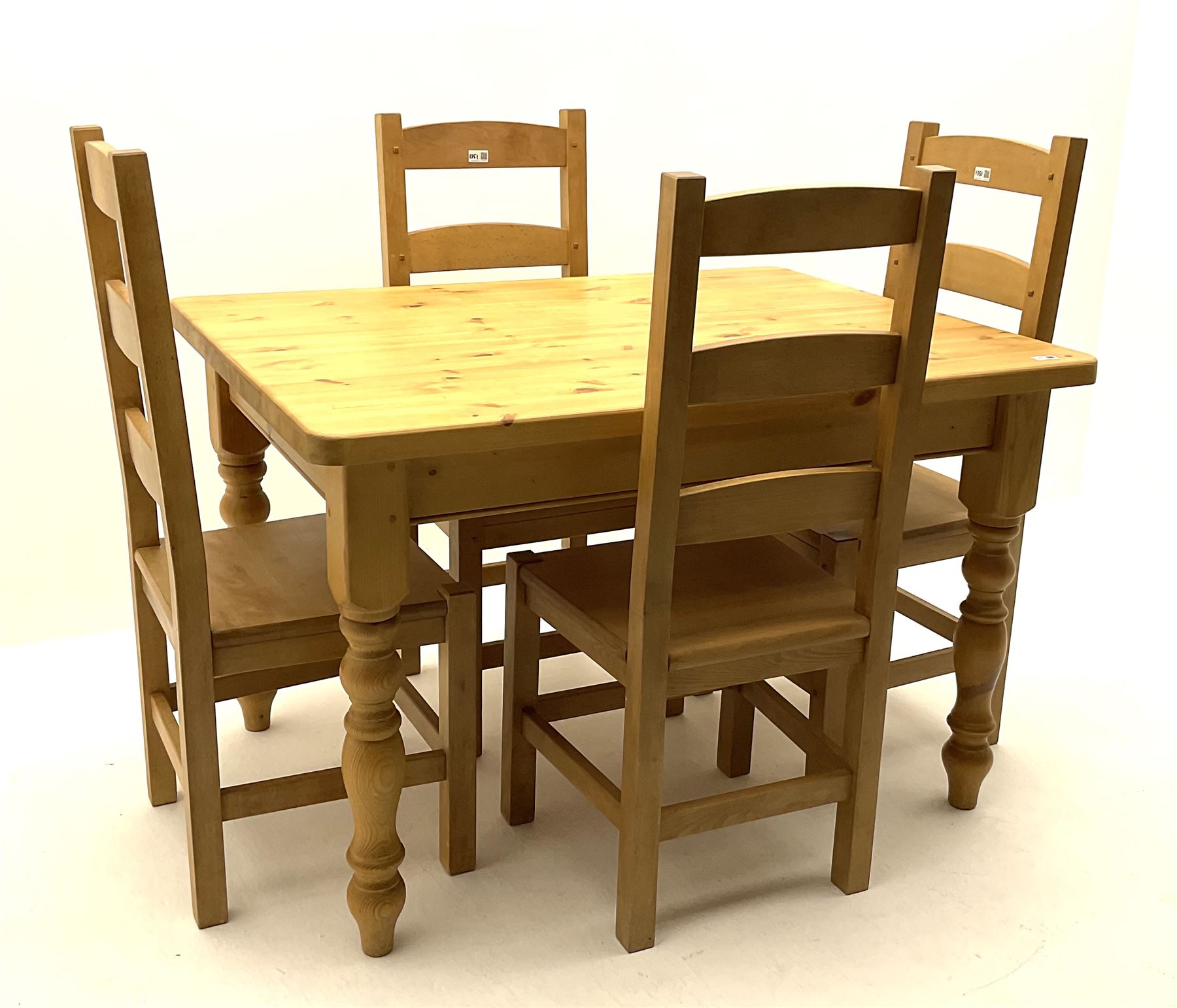 Rectangular pine farmhouse table - Image 2 of 3