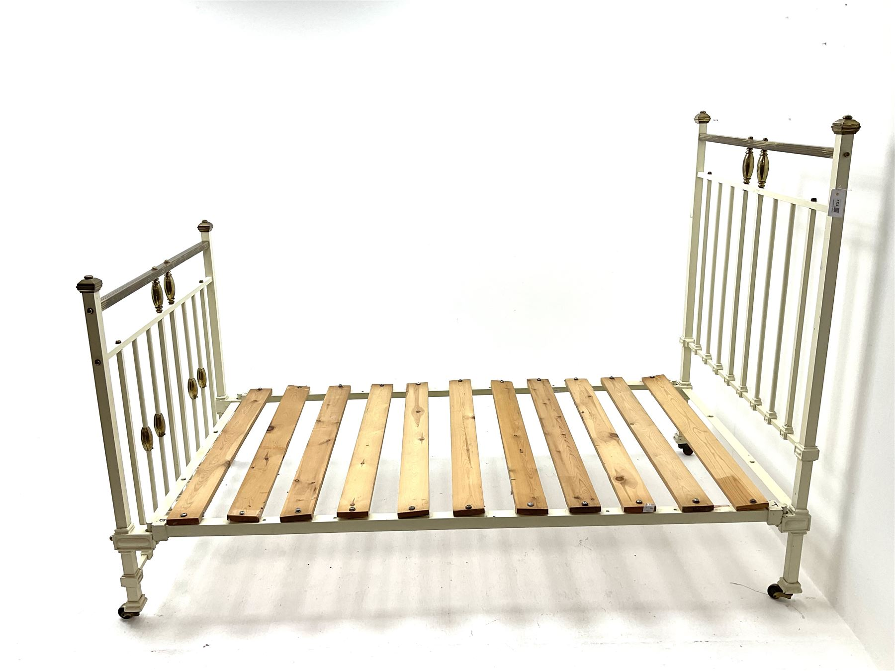 Victorian brass and cream painted bedstead - Image 2 of 4