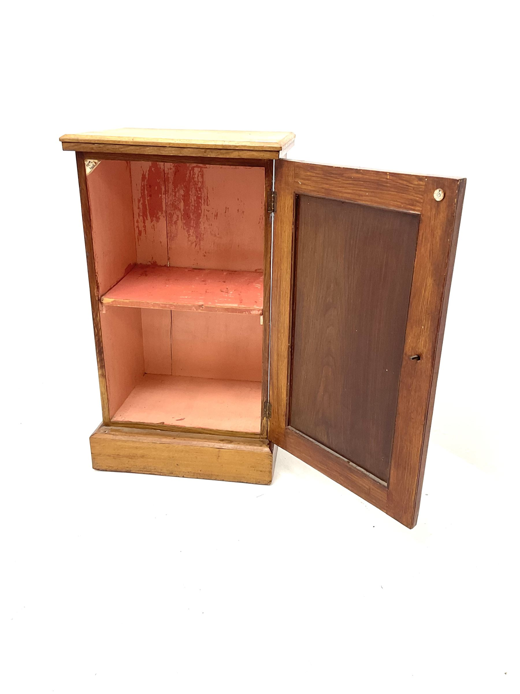 Early 20th century elm bedside cabinet - Image 2 of 3