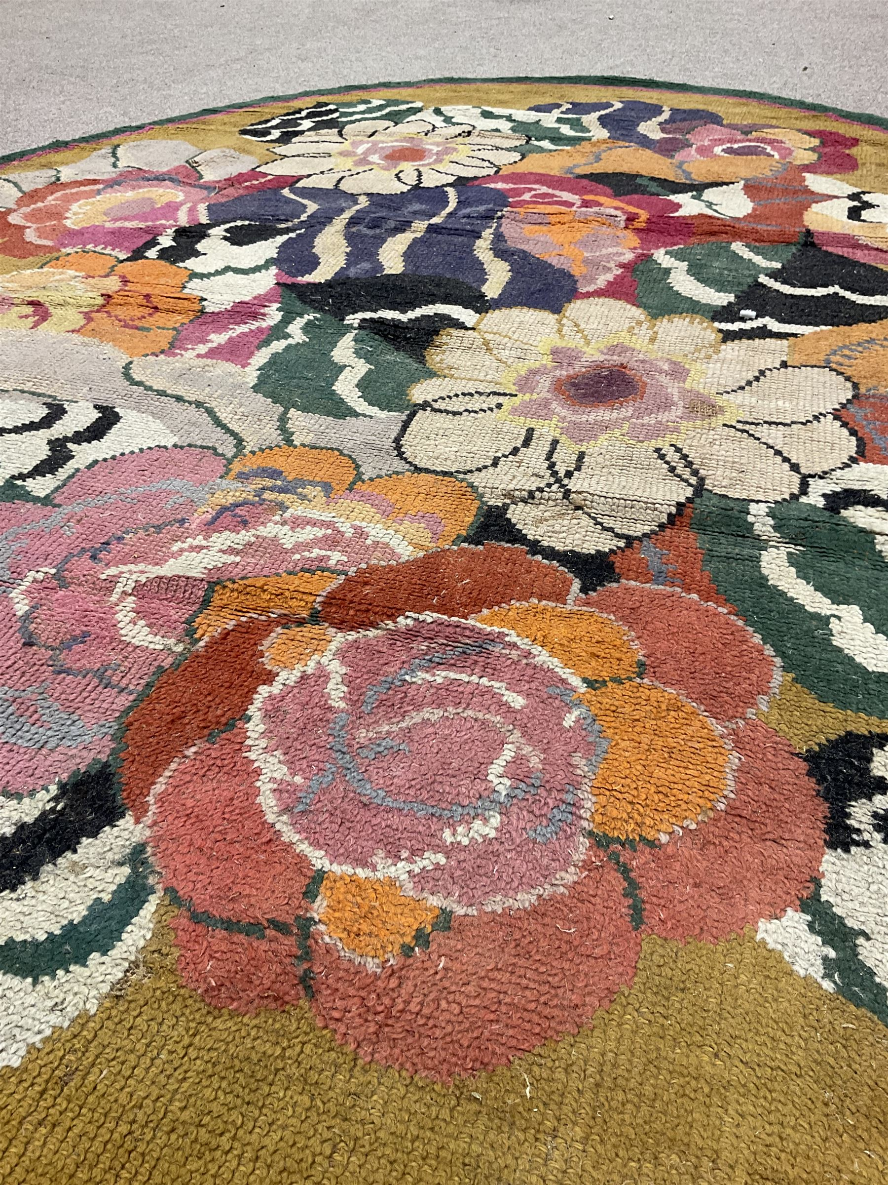 20th century wool oval rug - Image 2 of 5