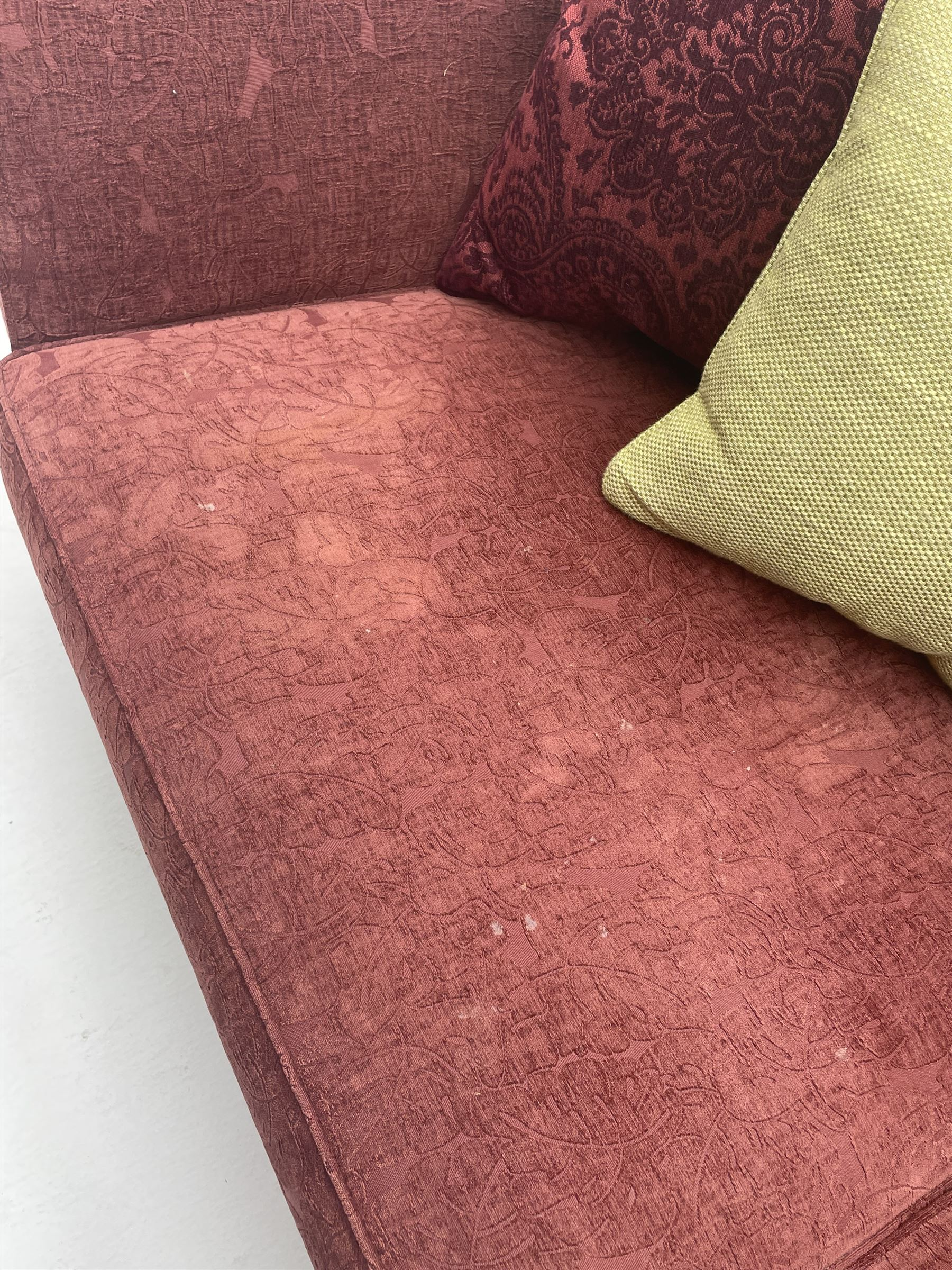 Multi-York - three seat sofa upholstered in red patterned fabric with contrasting feather scatter cu - Image 2 of 4
