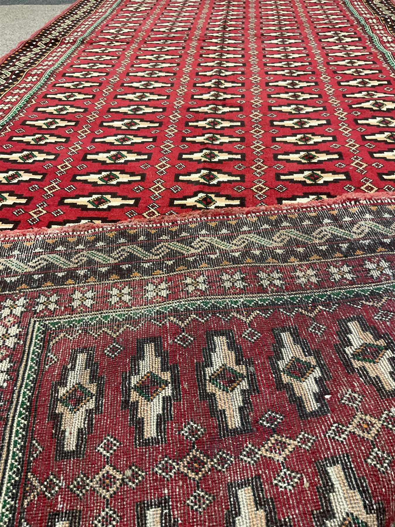 Persian red ground rug - Image 3 of 3