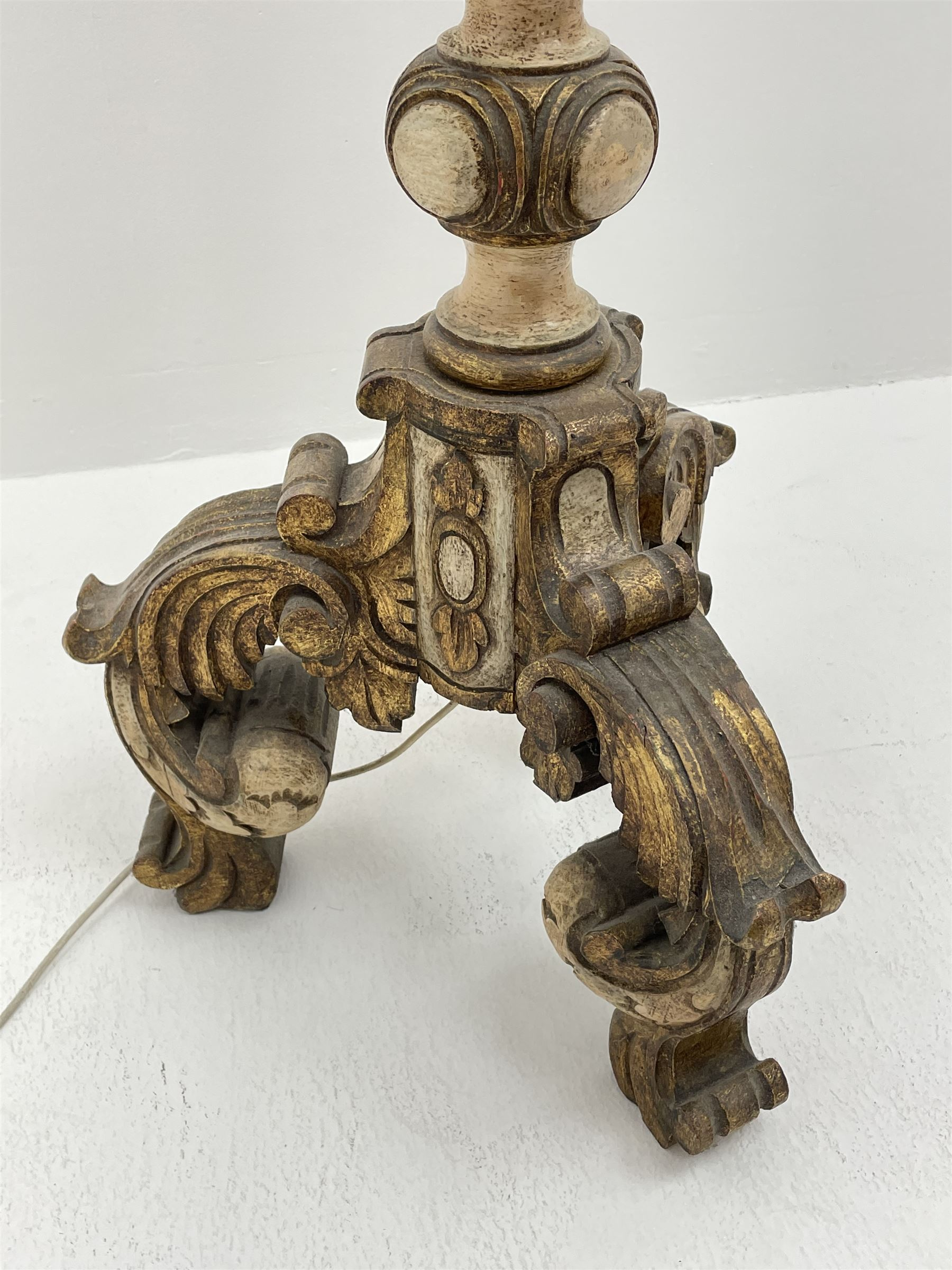 Late 20th century parcel gilt standard lamp - Image 3 of 5