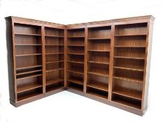 Georgian style 20th century mahogany corner bookcase in five sections