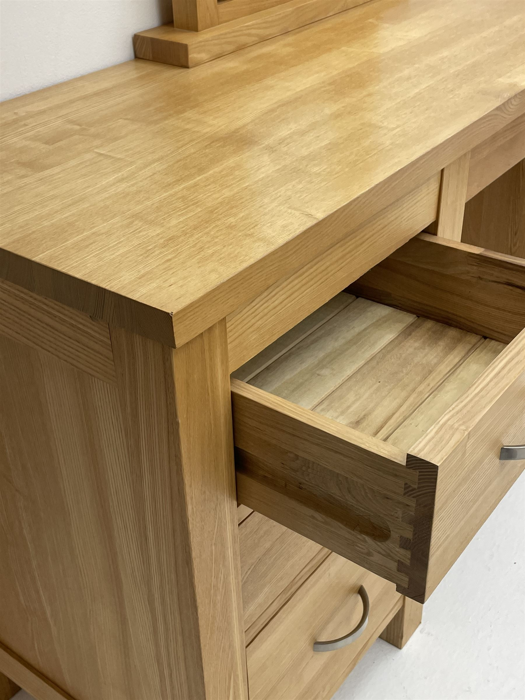 Light oak dressing table with mirror - Image 3 of 3
