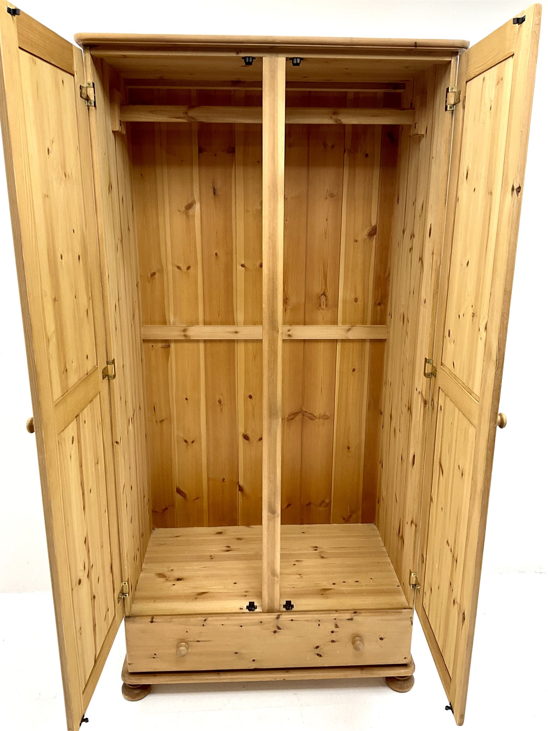 Solid pine double wardrobe - Image 4 of 5