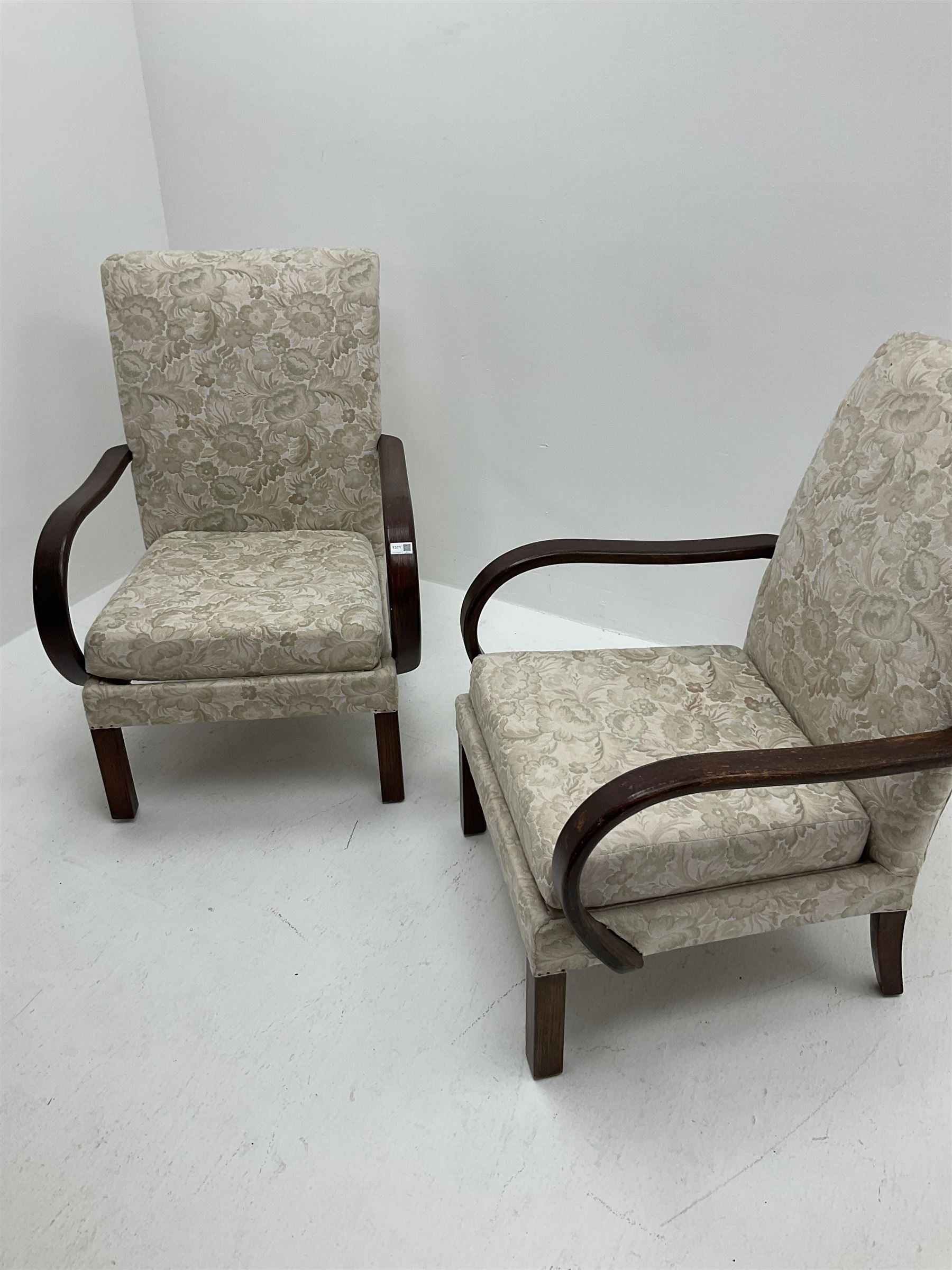 Pair of Parker Knoll easy chairs - Image 2 of 2
