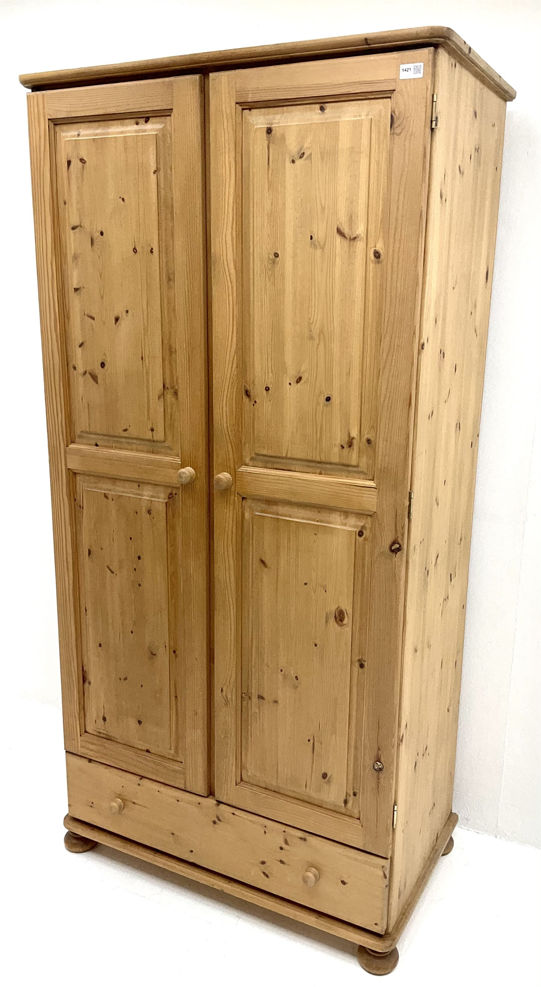 Solid pine double wardrobe - Image 2 of 5