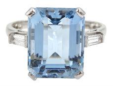 18ct white gold emerald cut aquamarine ring