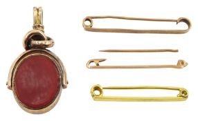 Early 20th century 10ct gold bloodstone and carnelian swivel fob