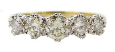 18ct white gold graduating five stone diamond ring