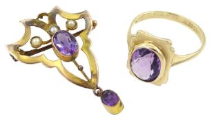 Gold amethyst ring and an early 20th century amethyst and split pearl brooch