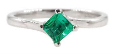 18ct white gold square cut emerald ring
