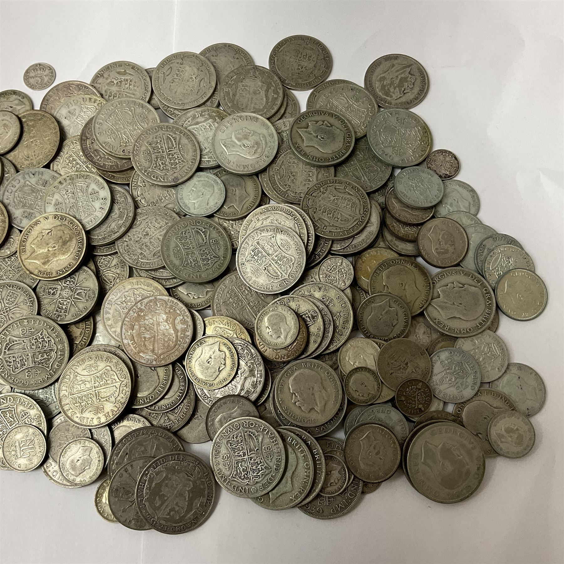Approximately 1750 grams of Great British pre 1947 silver coins including half crowns - Image 3 of 3