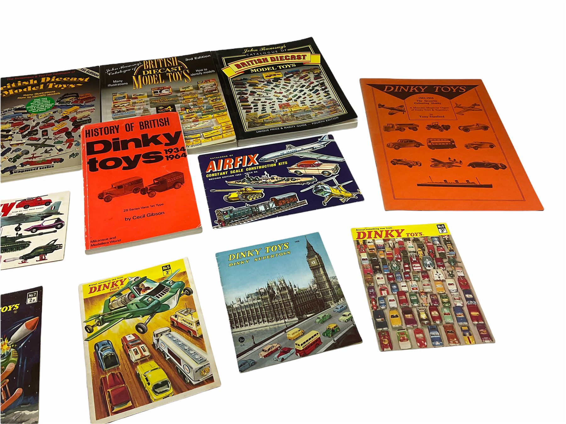 Dinky - five catalogues Nos.5 - Image 3 of 8