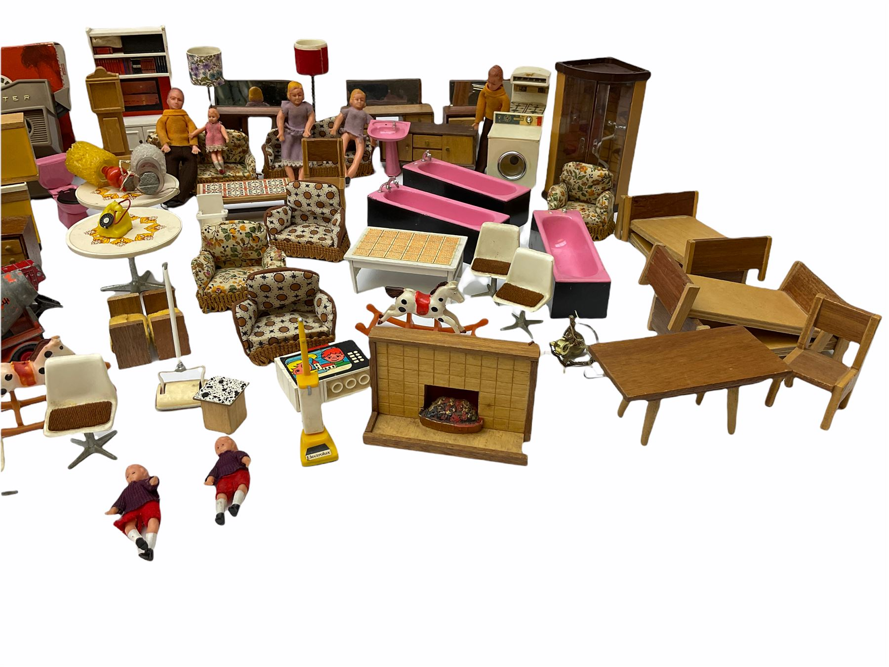 Miscellaneous toys - quantity of wooden and plastic dolls house furniture and accessories; quantity - Image 10 of 12
