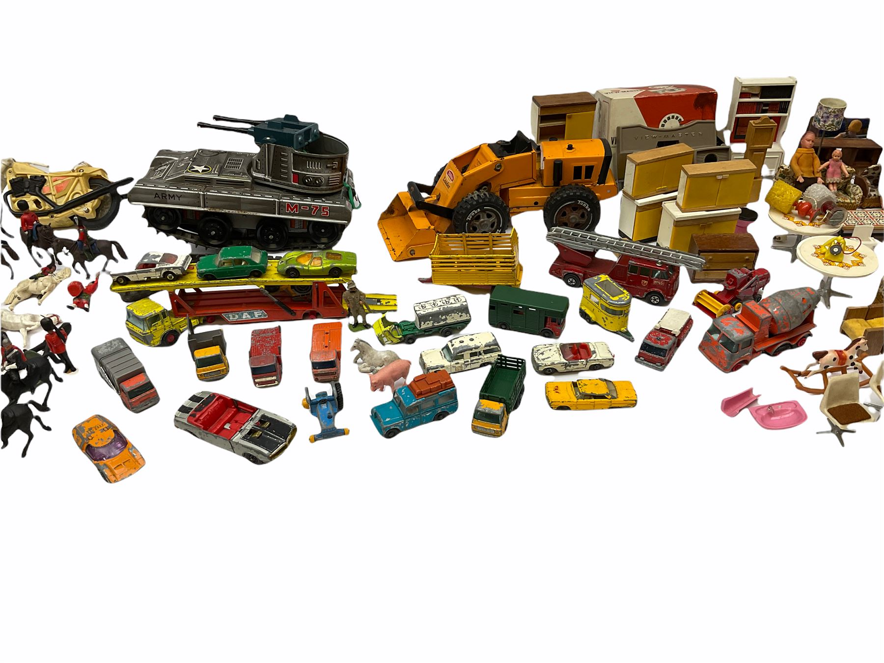 Miscellaneous toys - quantity of wooden and plastic dolls house furniture and accessories; quantity - Image 6 of 12