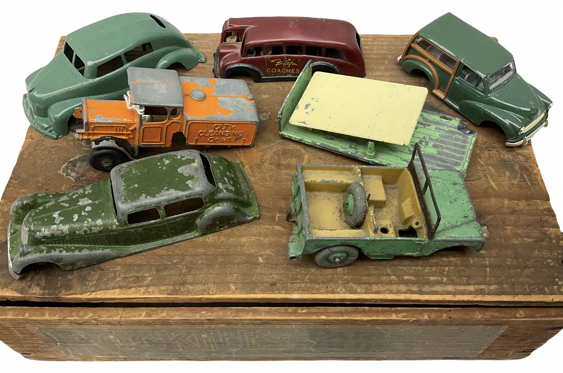 Various Makers - eleven unboxed and playworn early die-cast models - Image 5 of 9