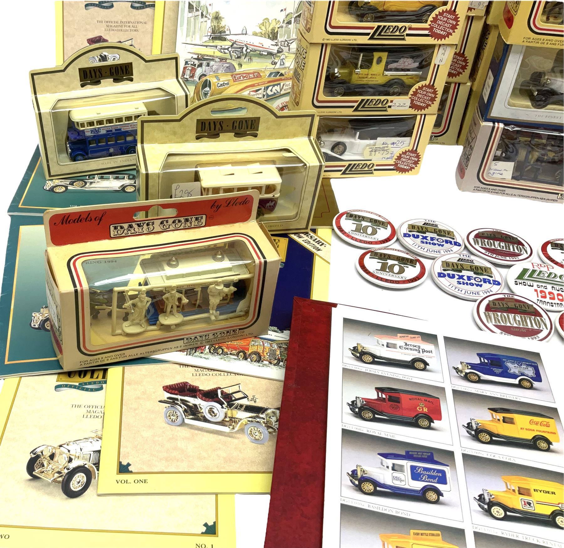 Thirty modern die-cast promotional and advertising models by Lledo; all boxed; together with quantit - Image 2 of 5
