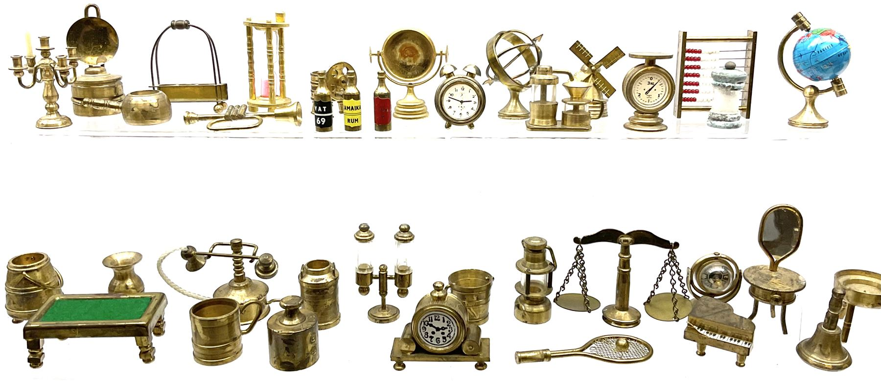 Over one-hundred various scale miniature brass ornaments suitable for decorating doll's houses inclu - Image 3 of 10