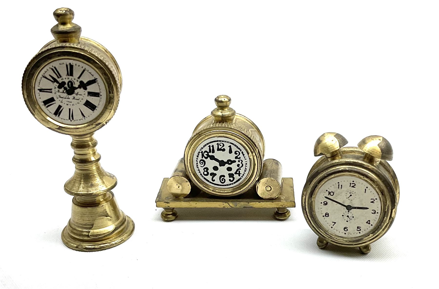 Over one-hundred various scale miniature brass ornaments suitable for decorating doll's houses inclu - Image 7 of 10