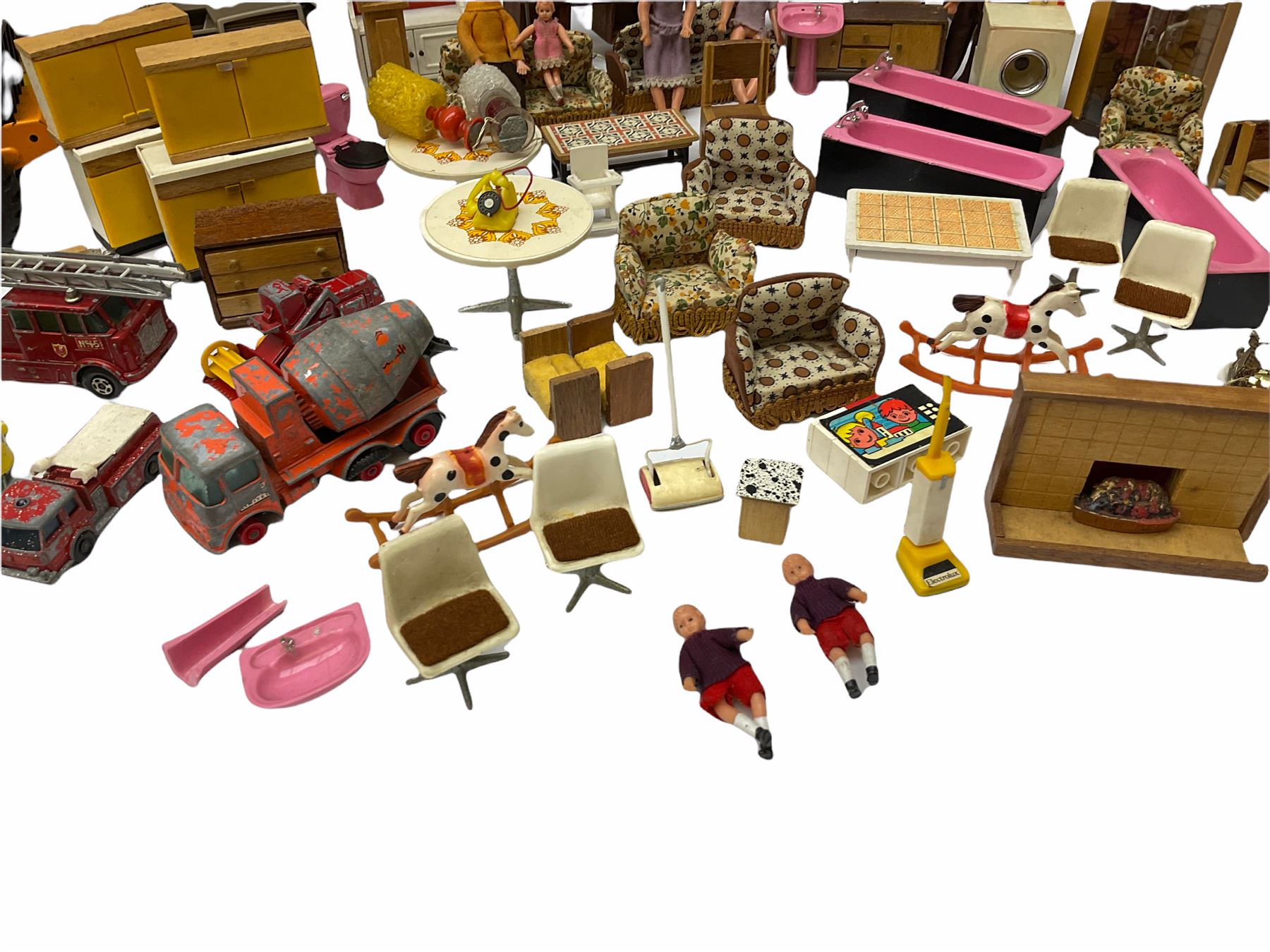 Miscellaneous toys - quantity of wooden and plastic dolls house furniture and accessories; quantity - Image 8 of 12