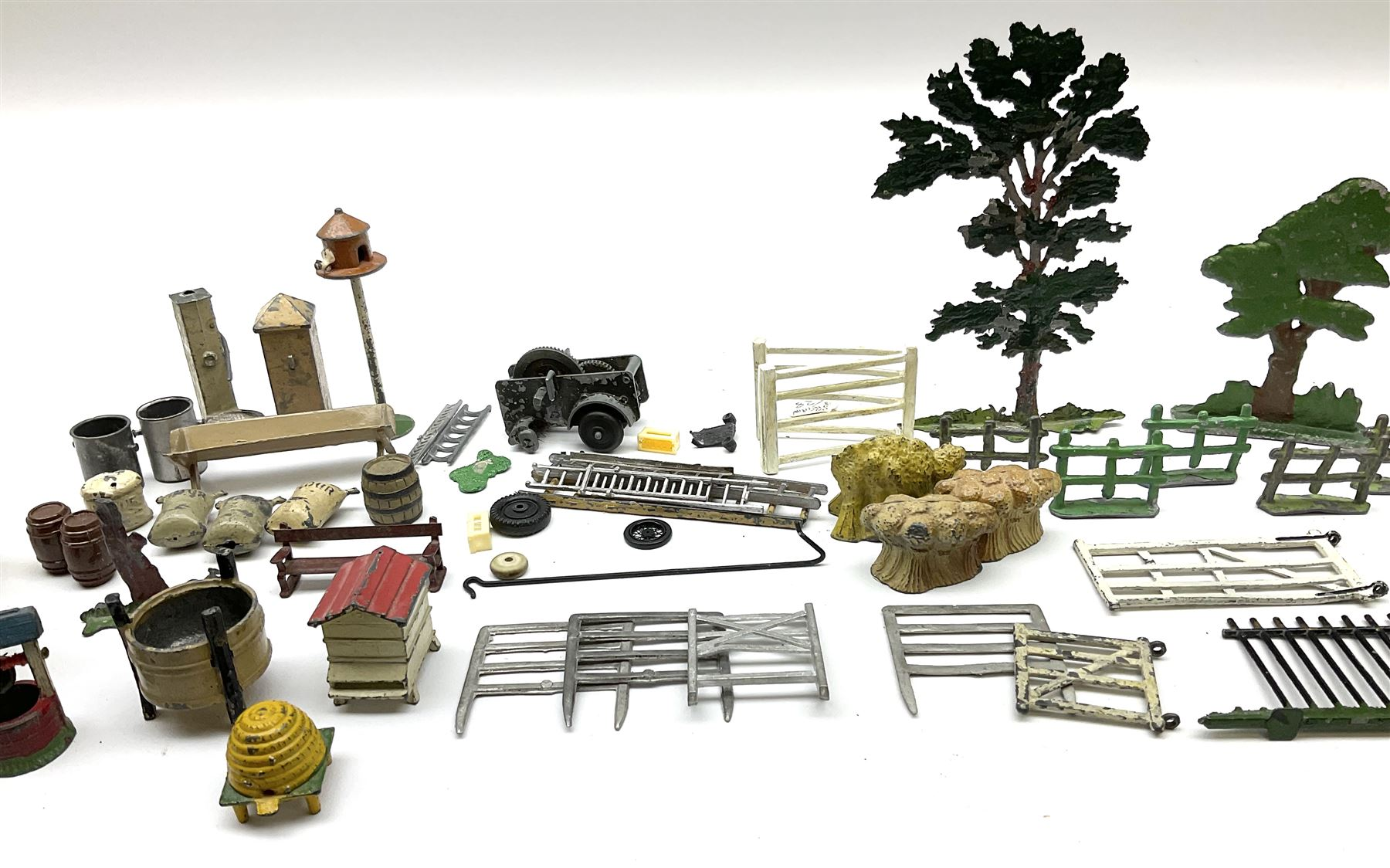 Various Makers - collection of lead/die-cast farm accessories including fences and gates - Image 3 of 8