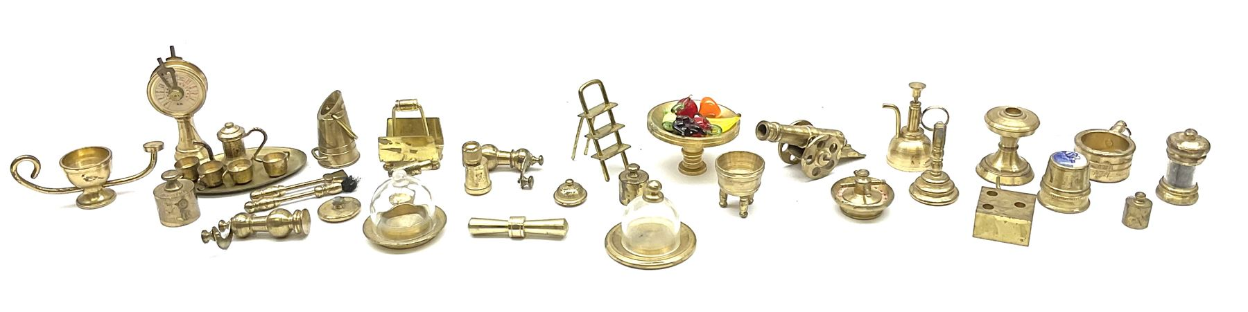 Over one-hundred various scale miniature brass ornaments suitable for decorating doll's houses inclu - Image 4 of 10