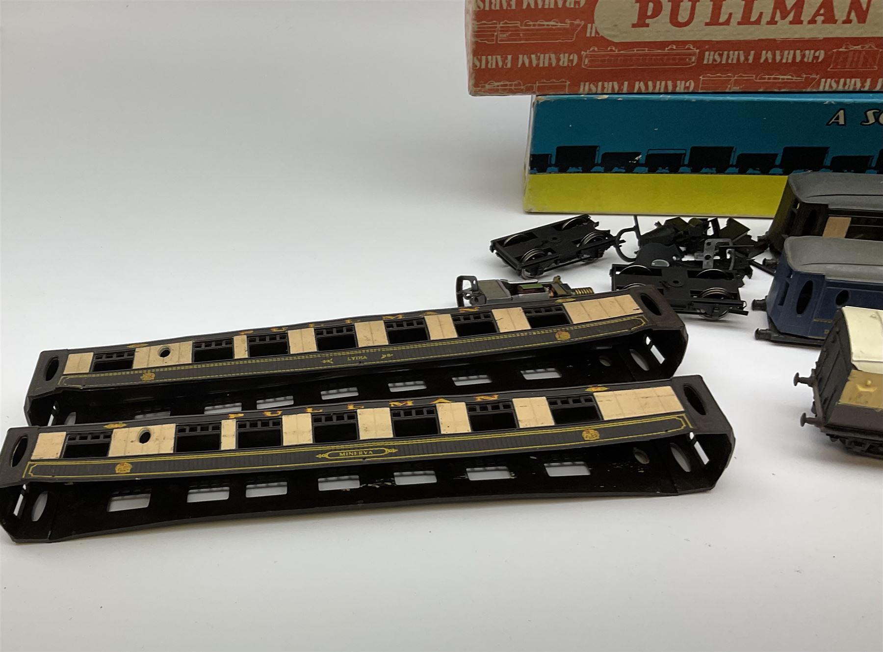 Graham Farish '00' gauge - six Pullman dining/brake dining cars - Image 7 of 8