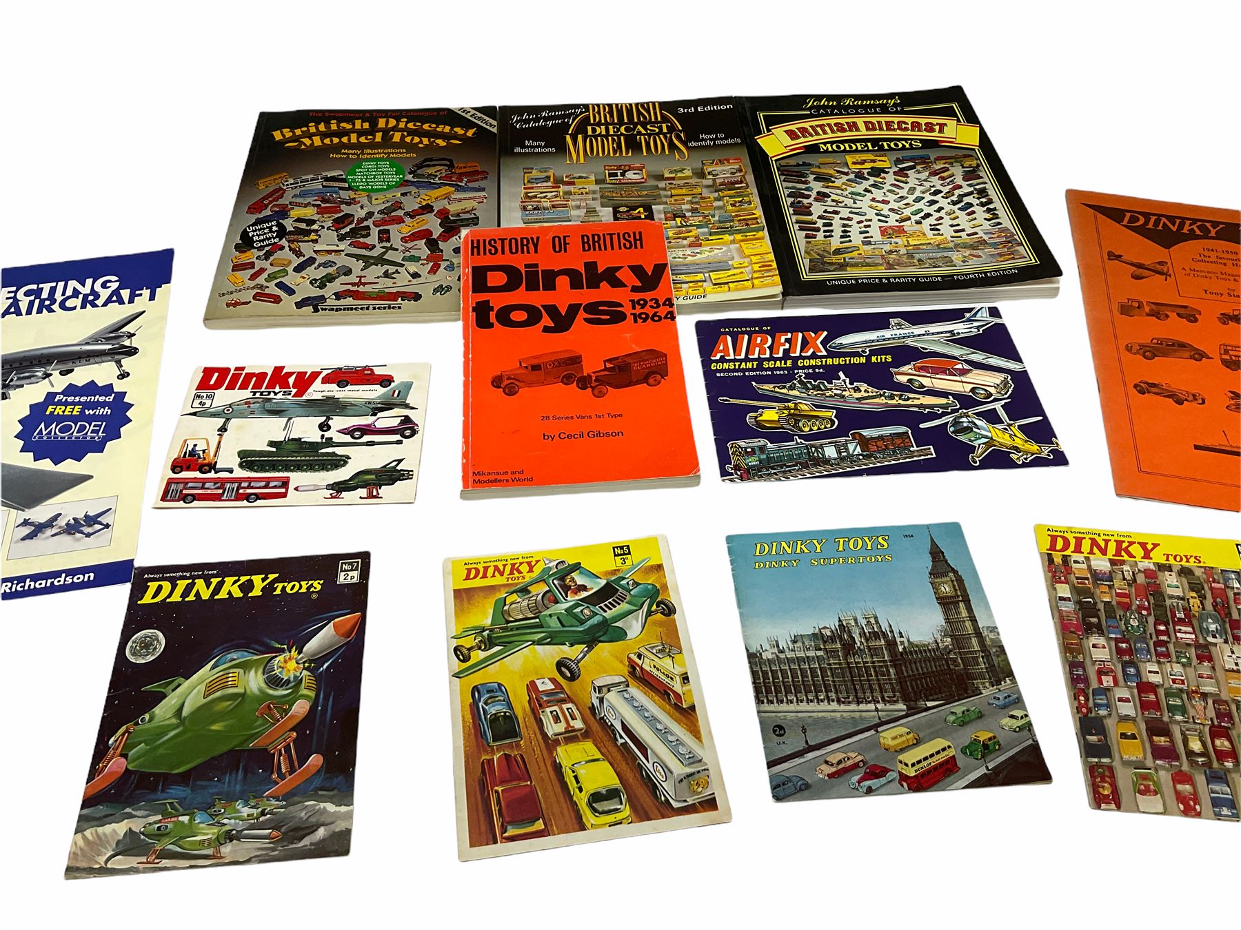 Dinky - five catalogues Nos.5 - Image 2 of 8