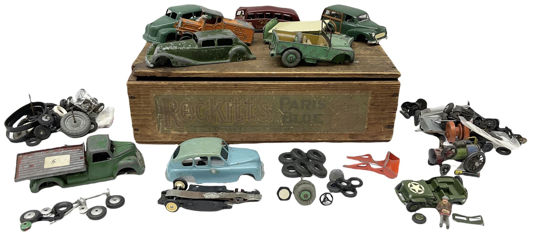 Various Makers - eleven unboxed and playworn early die-cast models - Image 2 of 9