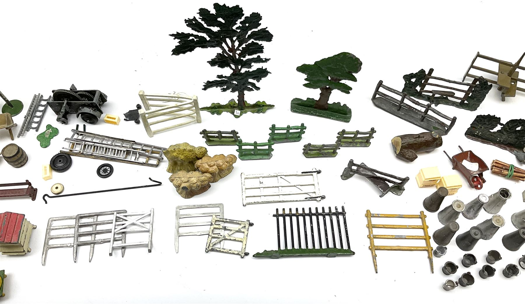 Various Makers - collection of lead/die-cast farm accessories including fences and gates - Image 7 of 8