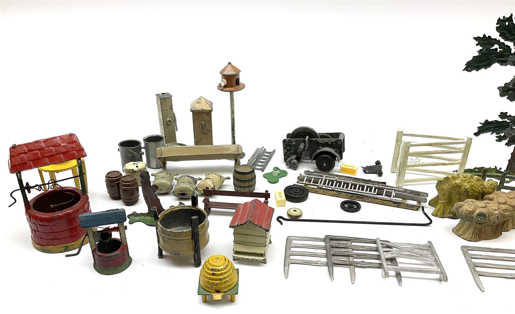 Various Makers - collection of lead/die-cast farm accessories including fences and gates - Image 2 of 8