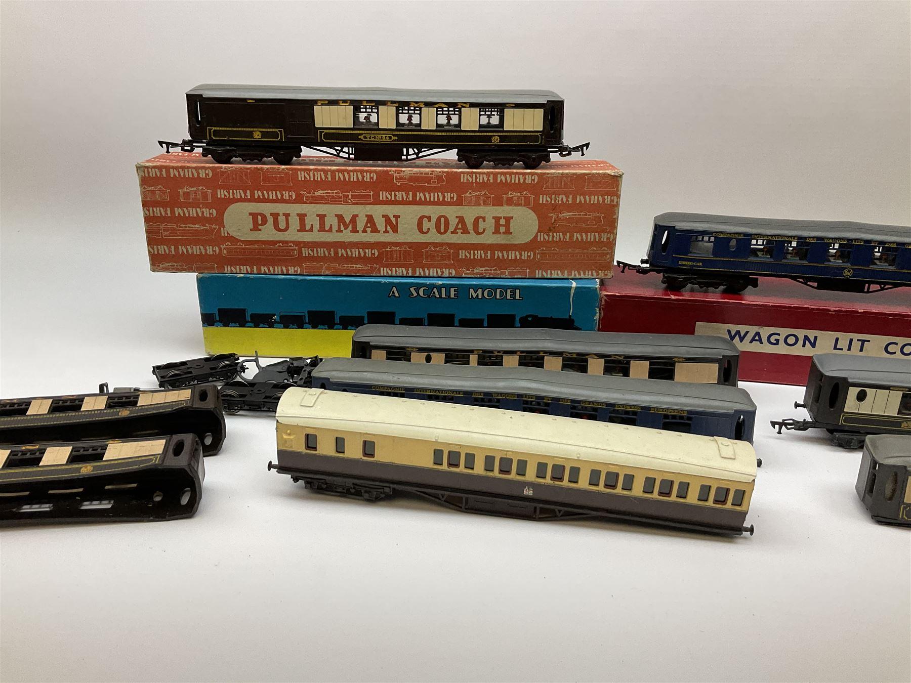 Graham Farish '00' gauge - six Pullman dining/brake dining cars - Image 3 of 8