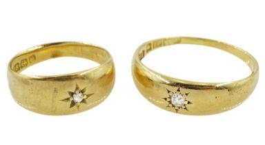 Two Edwardian 18ct gold single stone diamond rings
