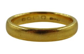 Early 20th century 22ct gold wedding band