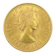Queen Elizabeth II 1962 gold full sovereign