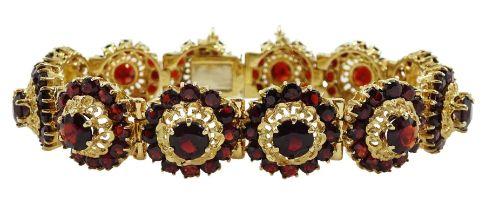 14ct gold garnet bracelet