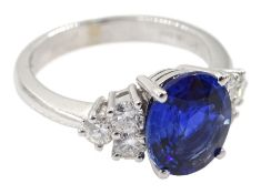 18ct white gold fine oval Ceylon sapphire and six round brilliant cut diamond ring