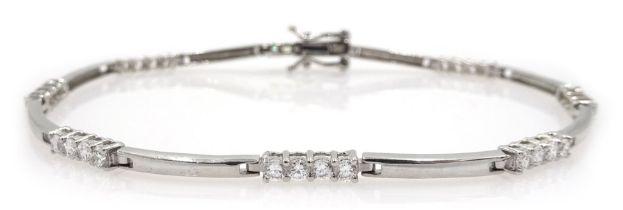 9ct white gold cubic zirconia bracelet