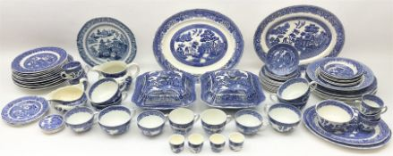 Late 18th/early 19th century Chinese export dinner plate