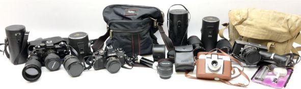 Jenaflex AM-1 camera with Prakticar lens