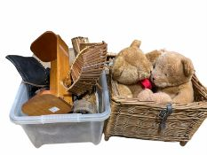 Wood folding basket with bamboo handle
