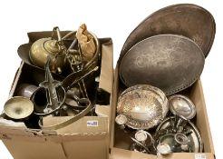 Assorted metalware