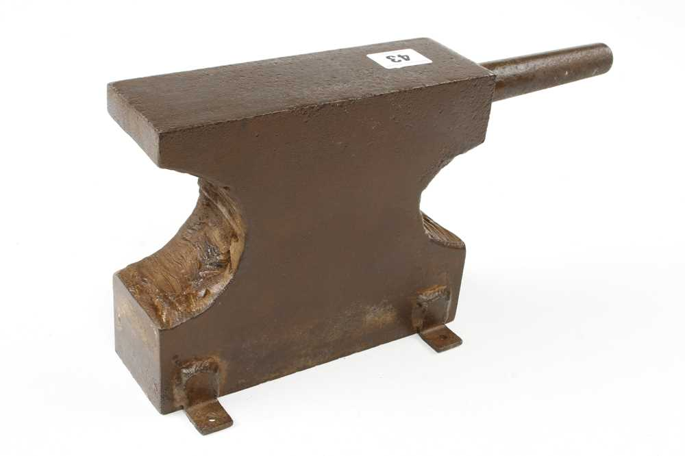 An 18lb bench anvil G - Image 2 of 2