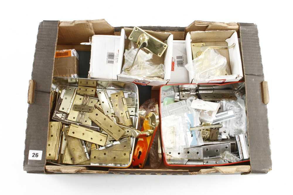 Quantity of hinges and door fittings G