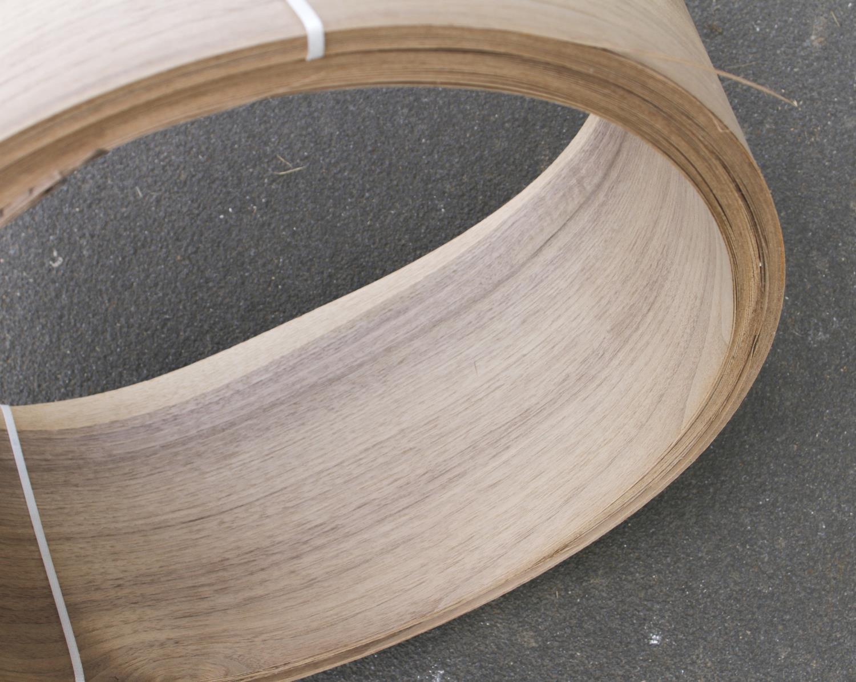 "A roll of 7"" x 10' walnut veneer G - Image 2 of 3"