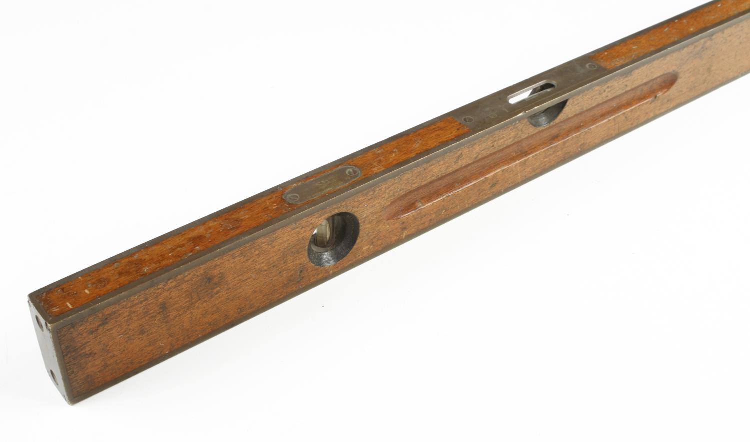 """A 24"""" STANLEY No 1093 brass bound mahogany level and plumb G+ - Image 2 of 3"""