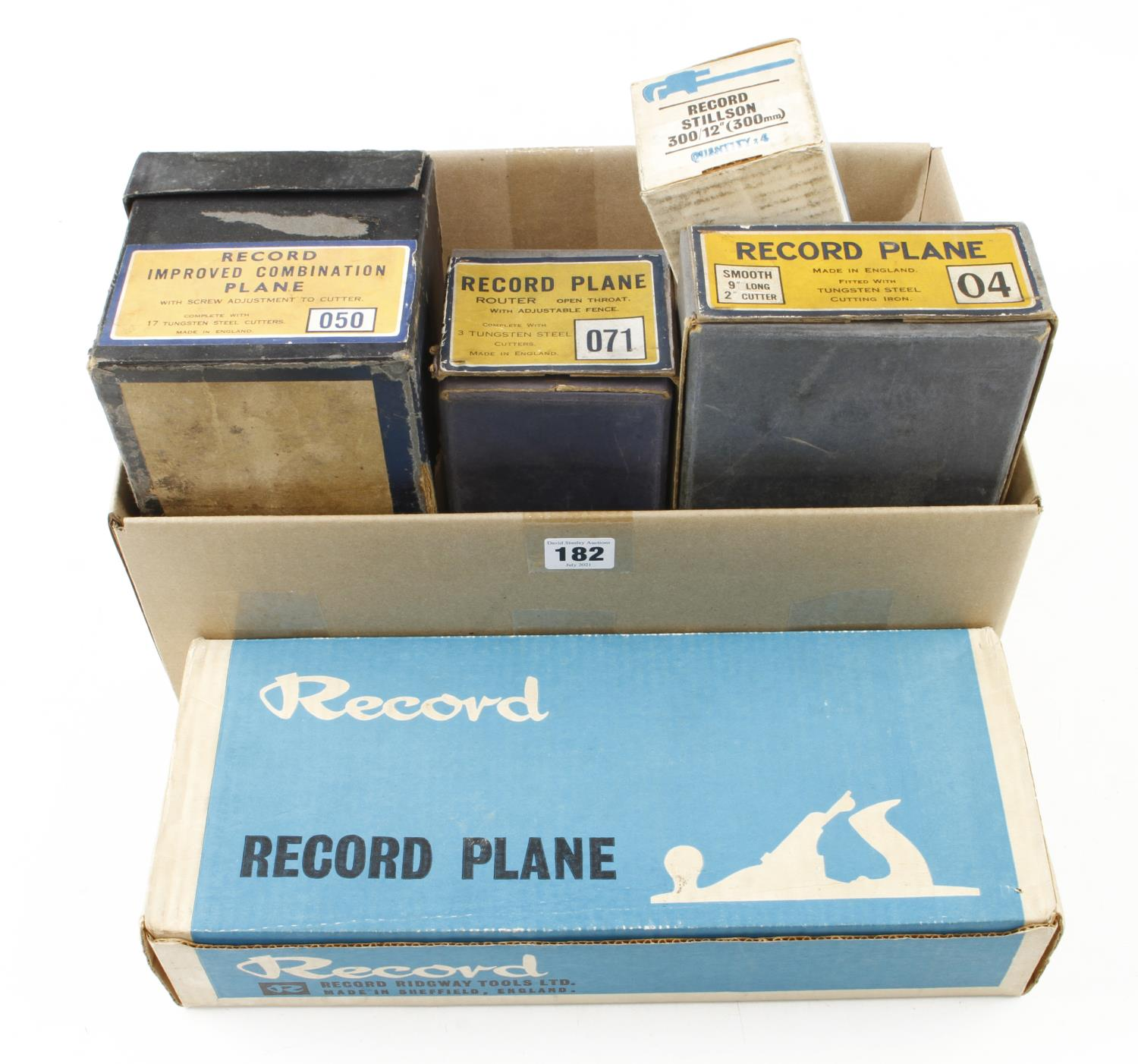 Five empty RECORD boxes for 04, T5, 071, 050 and 300 stilson G+